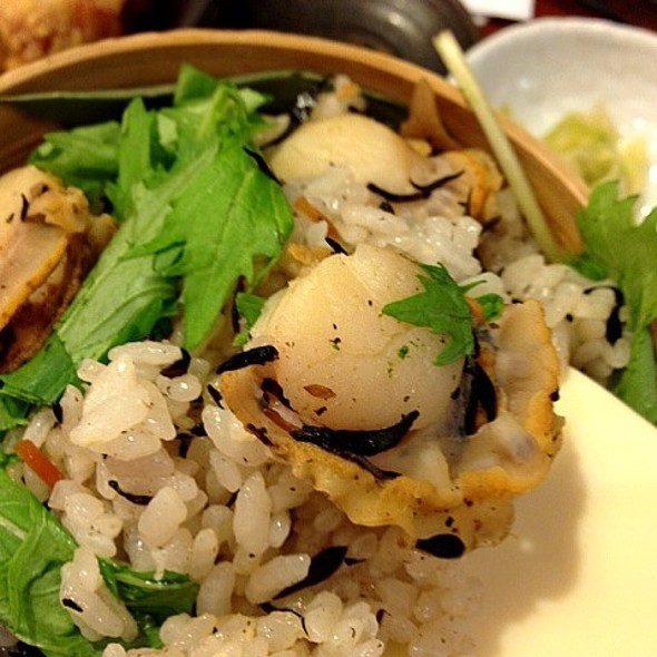 Steamed Rice with Scallop