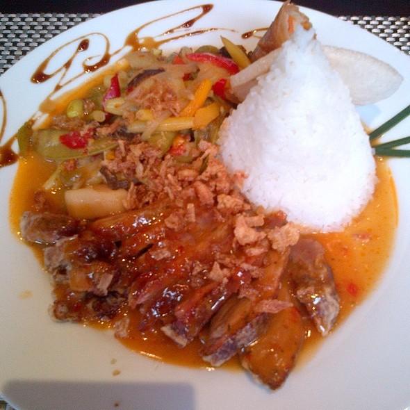 Knusprige Ente Mit Erdnusse Sauce @ Dapur Indonesia