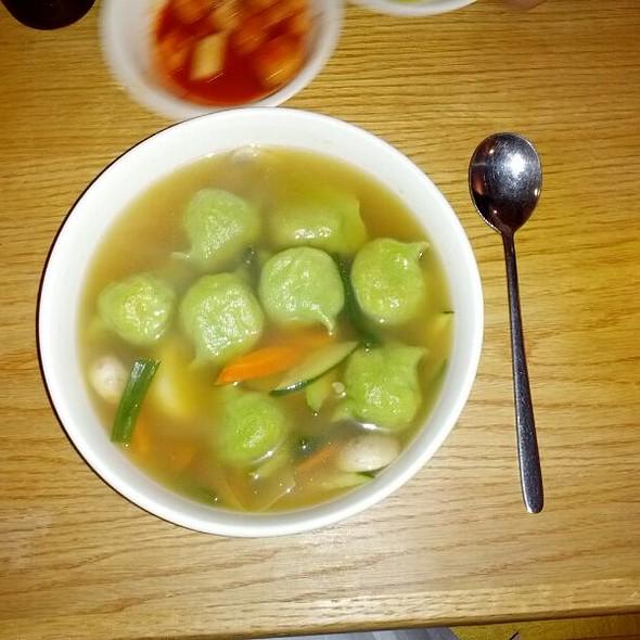 Vegetable Dumpling Soup @ Mandoo Bar