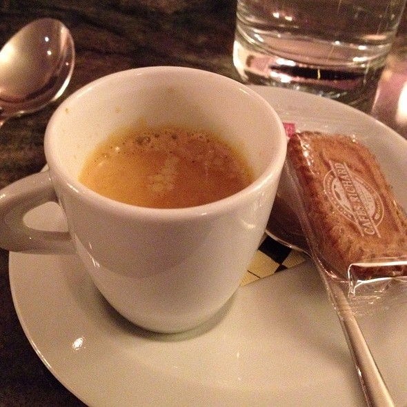 Cappuccino @ Ô Chateau