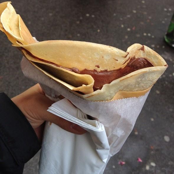 Nutella Crepe @ Le Quasimodo Notre Dame