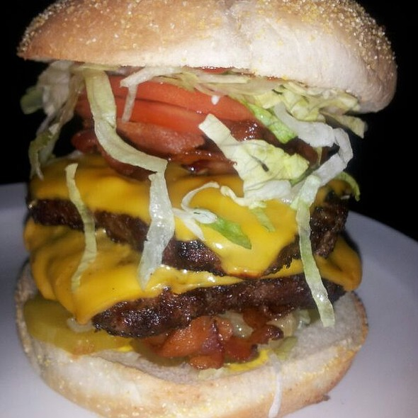 Double Bacon Cheese Burger - Barraco's Pizzeria - Orland Park, Orland Park, IL