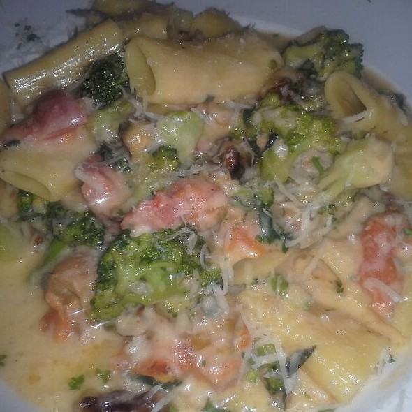 Walnut Gorgonzola Pasta - Alexander's on 30th, San Diego, CA