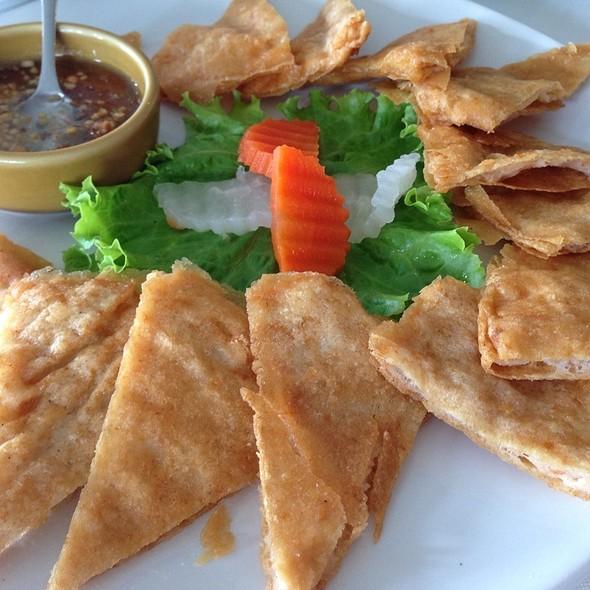 Thai Shrimp Pancake กุ้งกระเบื้อง @ Anna & Charlie's Café