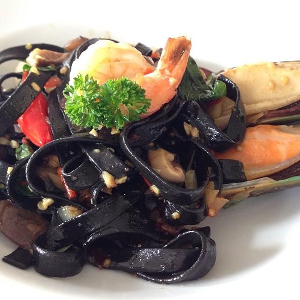 Seafood With Black Spaghetti @ Anna & Charlie's Café