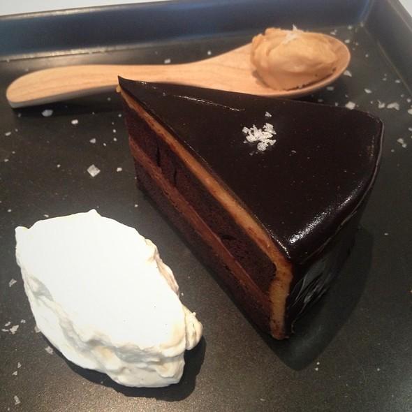 Sea Salt Caramel Cake @ Greyhound Café