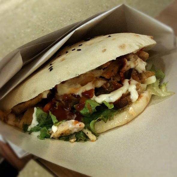 Tombik Chicken Döner Kebab