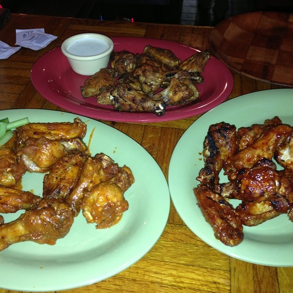 Chicken Wings @ All Sports Cafe
