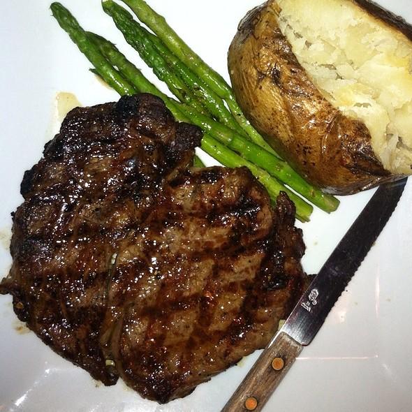 Black Angus Rib Eye - Darfons Restaurant and Lounge, Nashville, TN