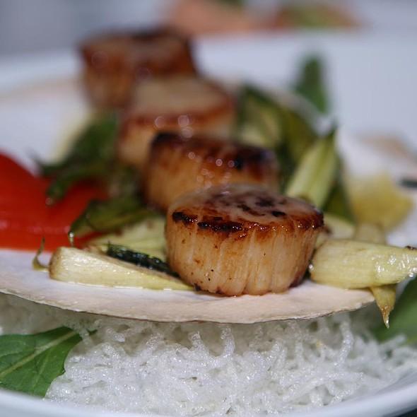 Sauteed Scallops With Asparagus - Nabuki, Hinsdale, IL