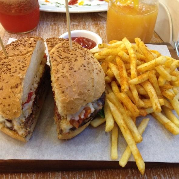 Dana Jambonlu Hamburger