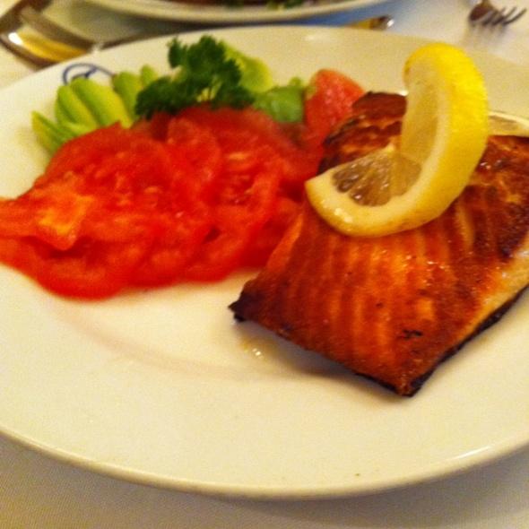 Salmon @ Confiteria Torres
