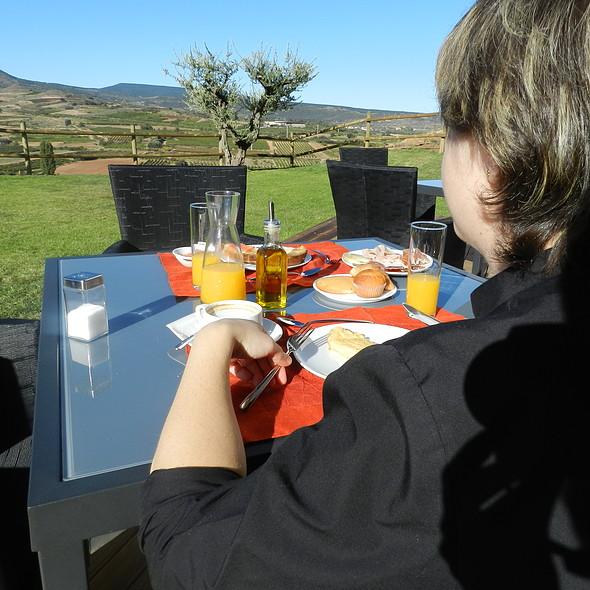 Desayuno en la terraza del hotel