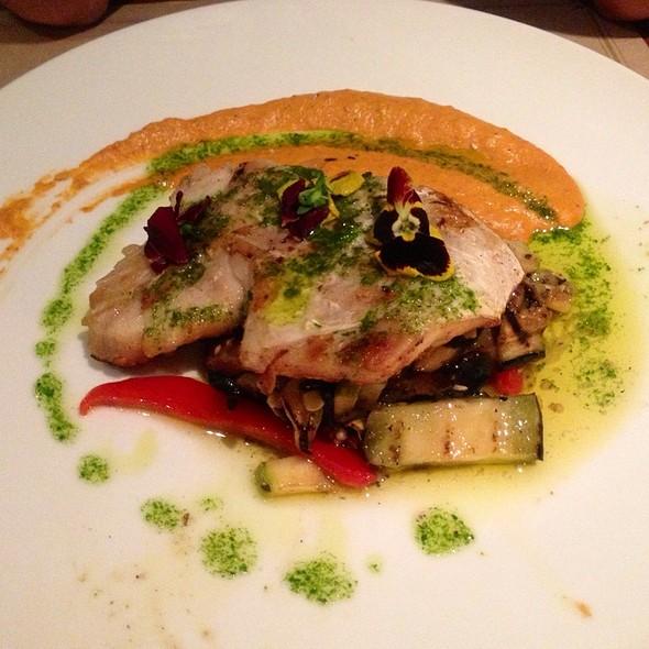 Congrio Y Ratatouille Con Salsa De Tamarindo @ Casaluz