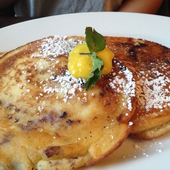 Blueberry Pancakes With Lemon Curd @ Zoe