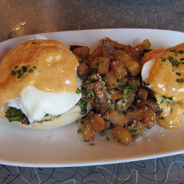 Chesapeake Crab Benedict - Policy, Washington, DC