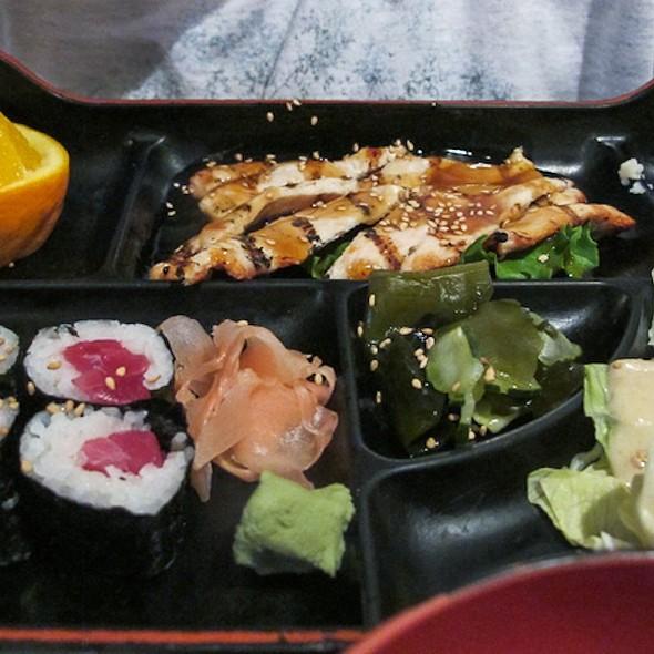 Chicken Teriyaki and Tuna Roll dinner plate @ Mamma's Sushi