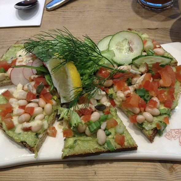Avocado Tartine @ Le Pain Quotidien