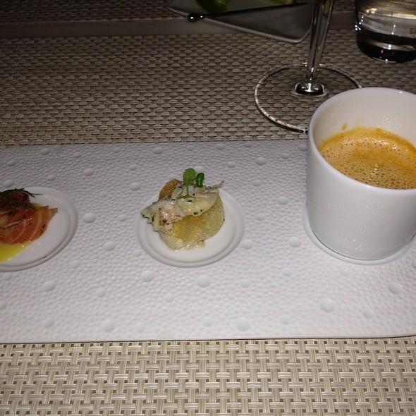 Le bernardin restaurant amuse bouche foodspotting for Amuse bouche cuisine