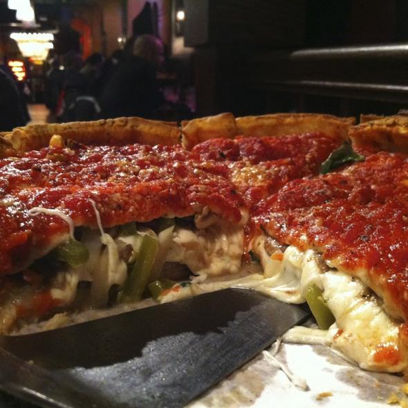 Pizza @ Giordano's