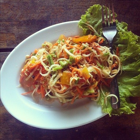 Spicy green papaya salad @ Stonington Lighthouse