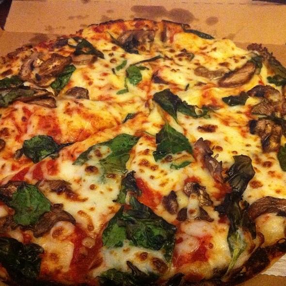Spinach And Mushroom Handmade Pan