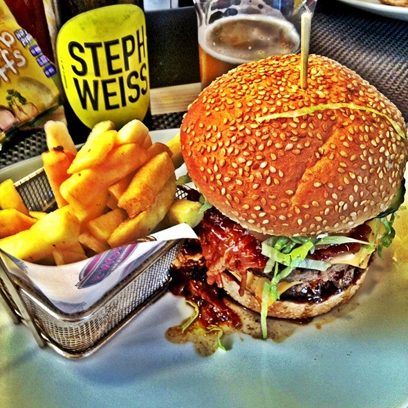 Gibson Royal Burger @ Gibsons V&A Waterfront