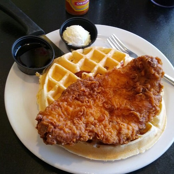 Bacon waffles & fried chicken @ Bacon