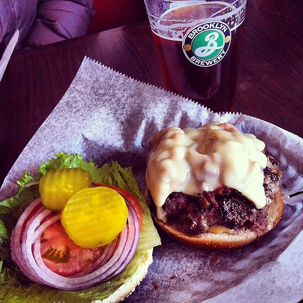 Need a lunch idea? Brown Ale & a bacon cheeseburger is a good one. @ BP Emerpark