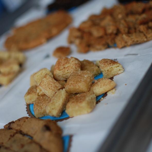 Snickerdoodle Cookies @ CREAM (Cookies Rule Everything Around Me)