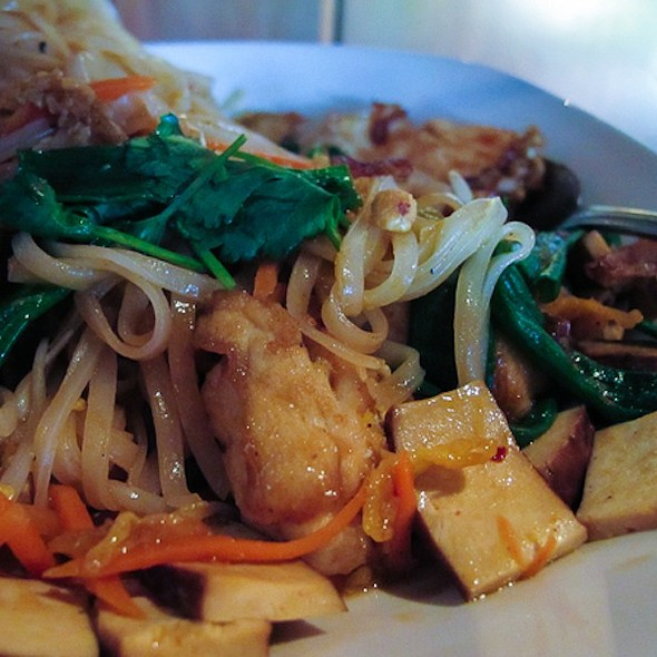 Pad Thai Noodles w/Chicken @ P.F. Chang's China Bistro
