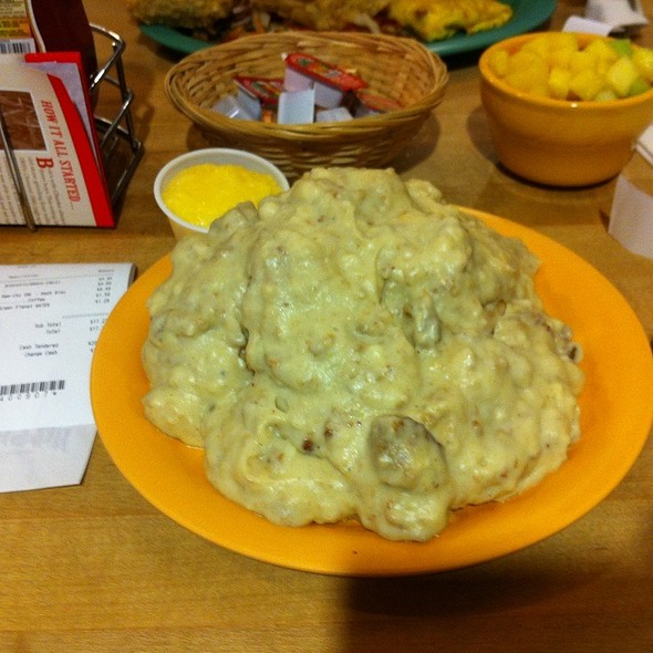 Vegetarian Biscuits & Gravy @ Bob's Red Mill Whole Grain Store