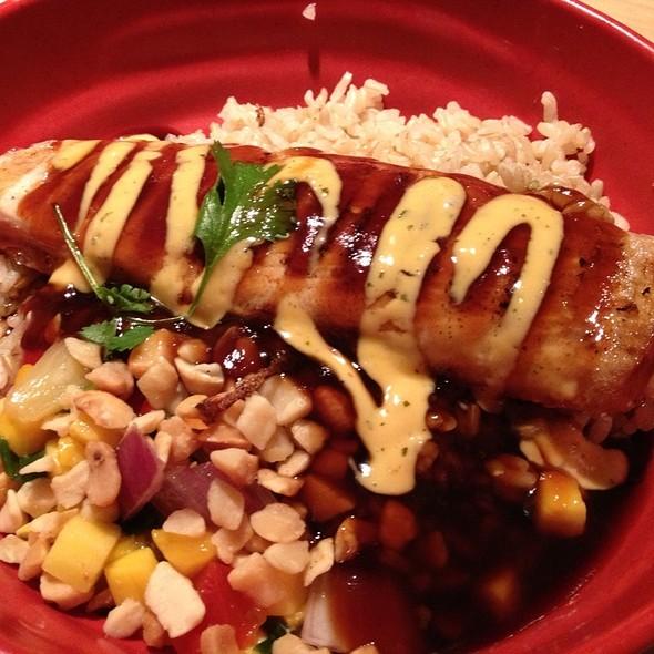 Grilled Mahi Bowl @ Tokyo Joe's