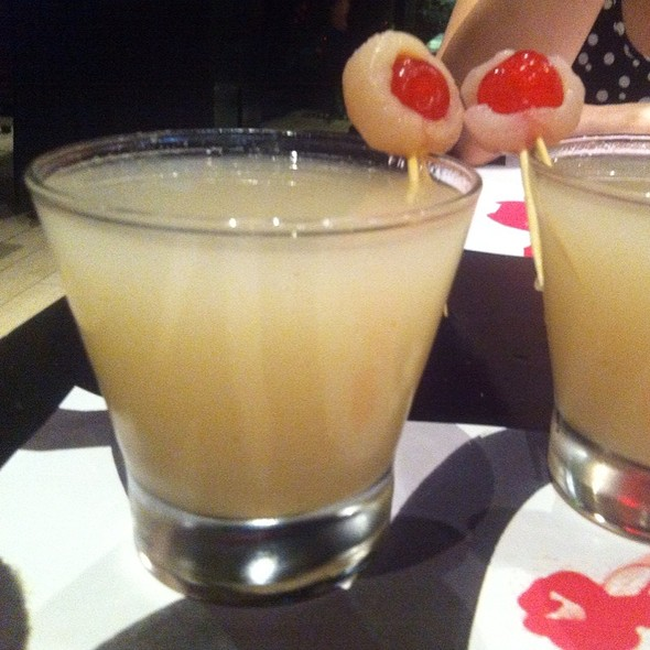 Vodka With Chirimoya And Lychee  @ Madam Tusan Parque Arauco