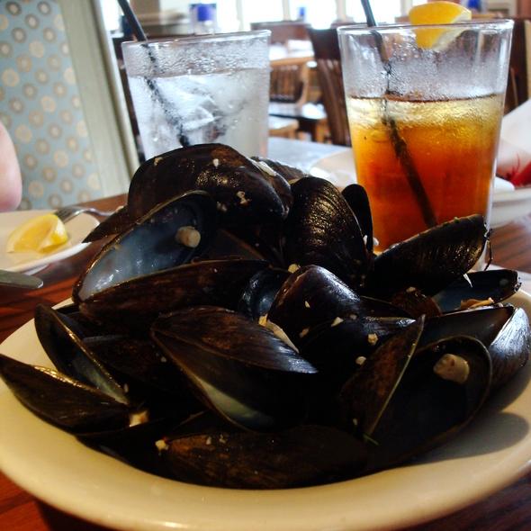P.E.I. Mussels - Finz Salem, Salem, MA