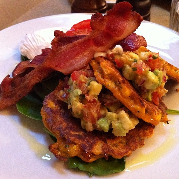 Corn Fritters With Bacon, Spinach & Slow Roasted Tomatoes Served With An Avocado-Lime-Chilli Salsa & Creme Fraiche @ Lantana