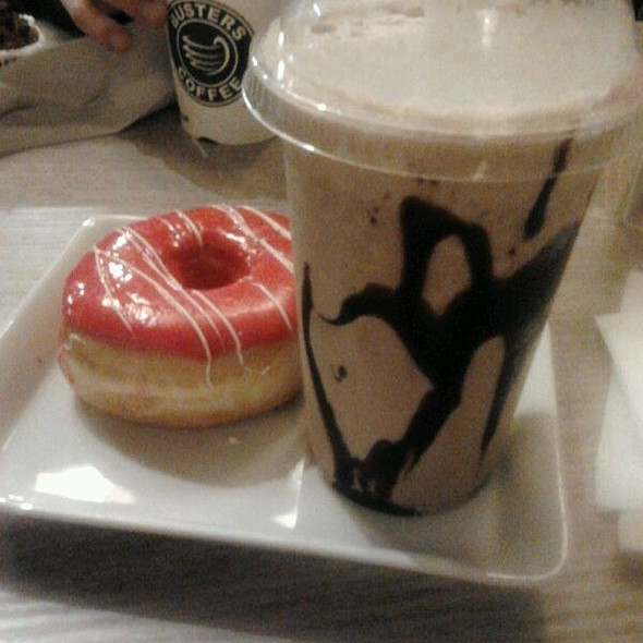 Donut and Frappuccino al cioccolato