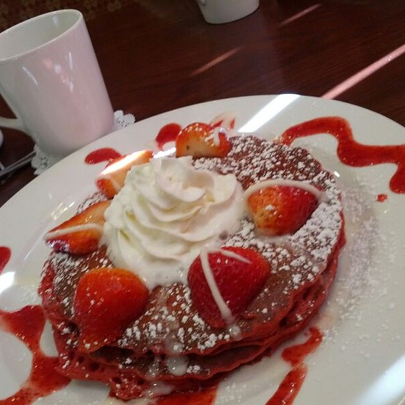 Red Velvet Pancakes @ Brunch Cafe Mc Henry