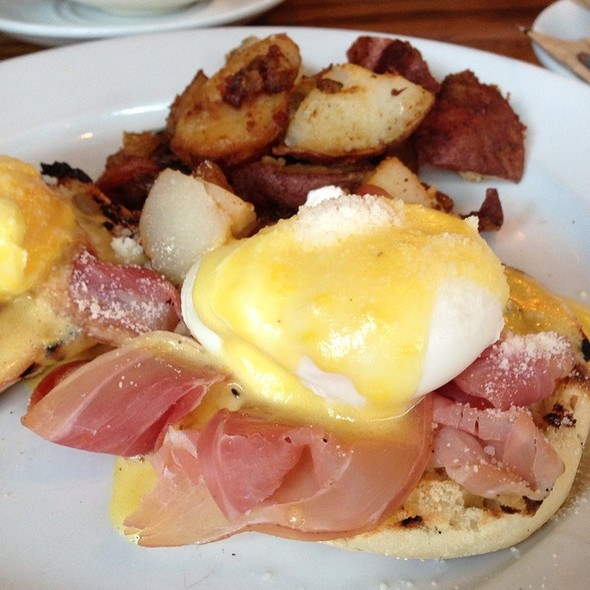 Prosciutto And Pecorino Eggs Benedict