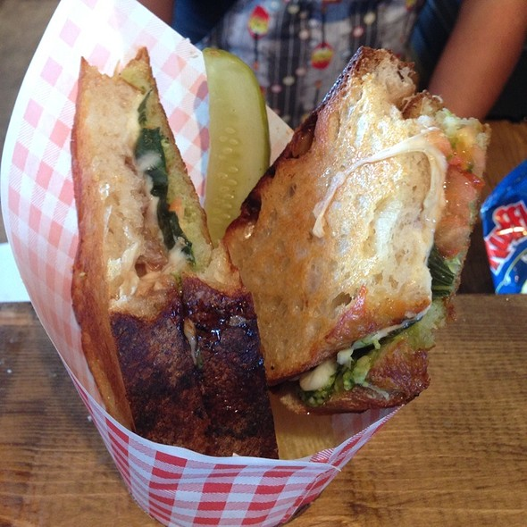 Caprese Grilled Cheese @ Say Cheese
