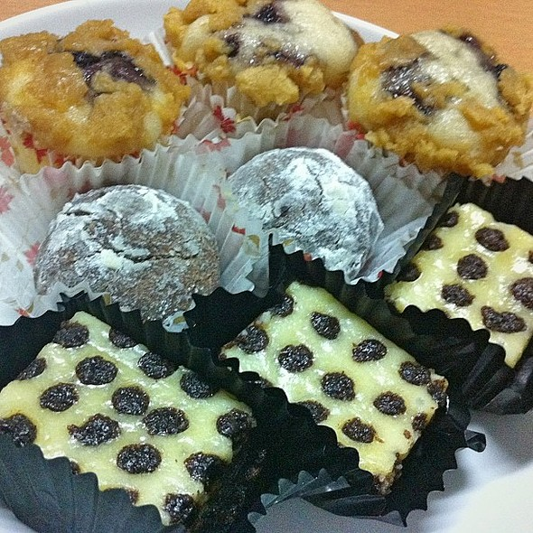 Thank you, D and D for these sweet treats!  @ Shaggin' Cabin