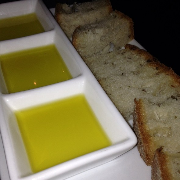 Olive Oil Tasting - FIG & OLIVE Uptown, New York, NY