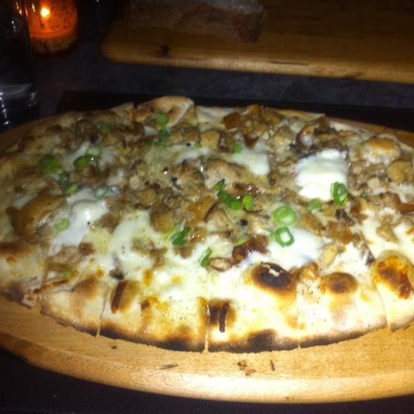 Suckling Pig Flatbread Pizza @ Asellina