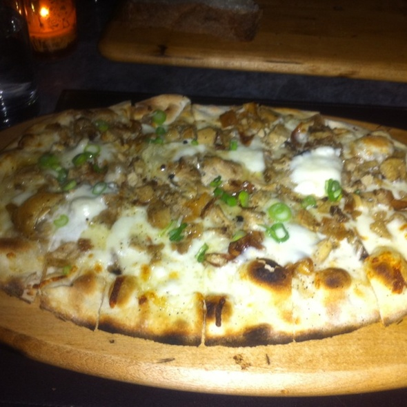 Suckling Pig Flatbread Pizza @ Asellina