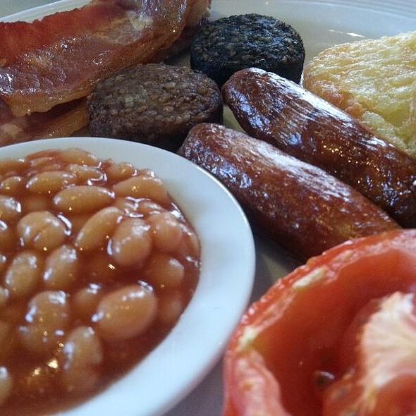 Full Irish Breakfast @ Dooleys Hotel Waterford