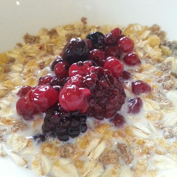 Museli With Berries And Redcurrents @ Dooleys Hotel Waterford