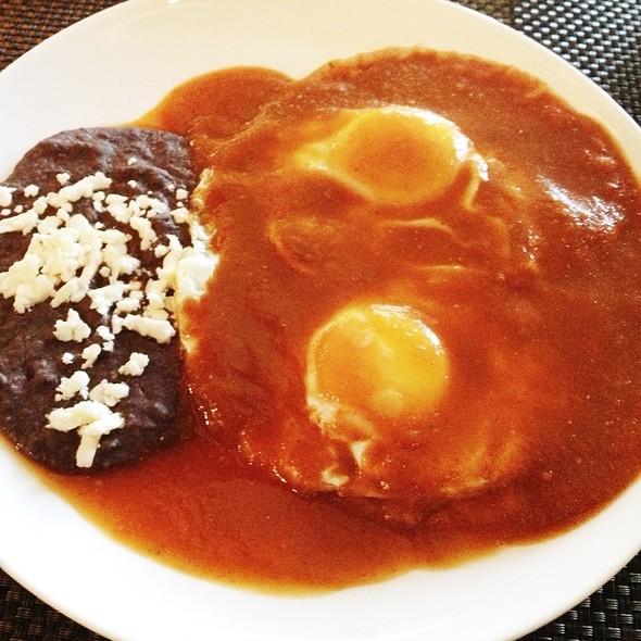 Huevos rancheros - Carolo - Interlomas, Huixquilucan, MEX