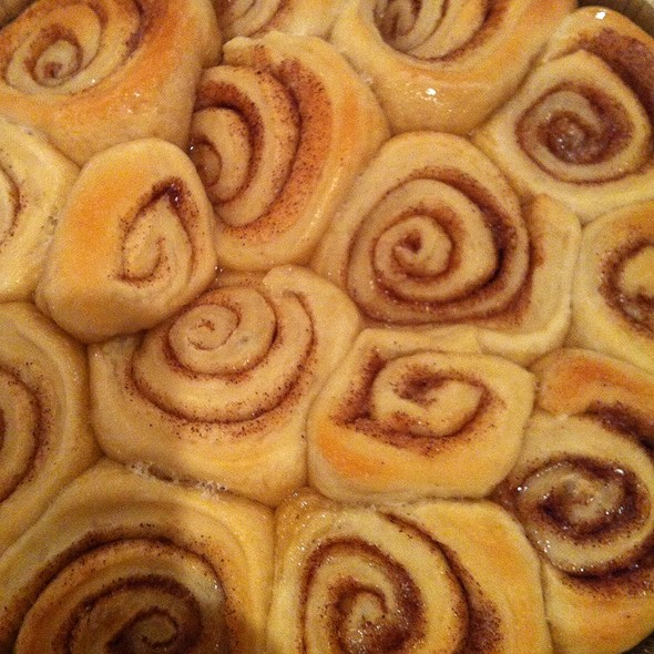 Mammas Homemade Cinnamon Rolls