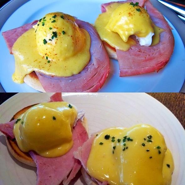 Eggs Benedict @ The Wolseley
