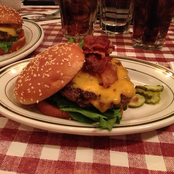 Bacon And Cheeder Burger - Bill's Bar and Burger, New York, NY